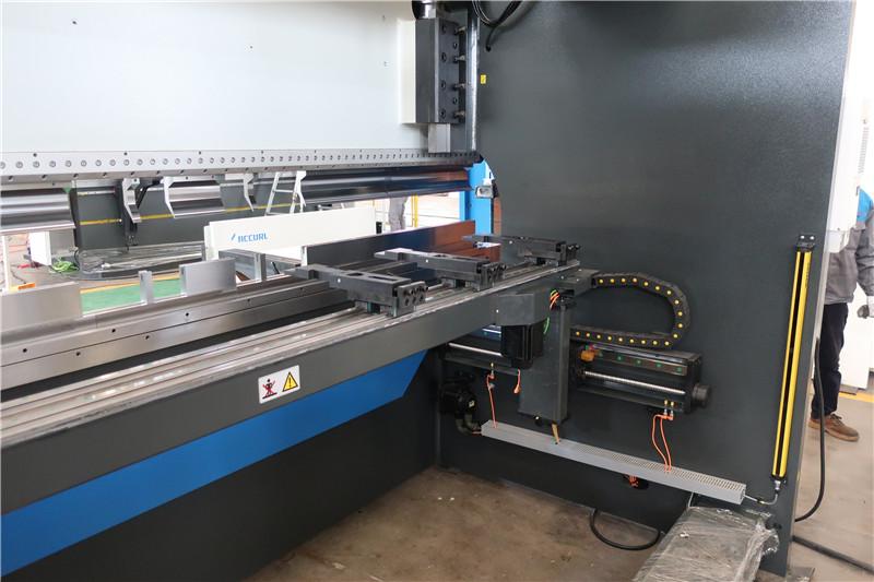 BGA-4 per a X i R-Axis CNC Backgauge