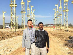 Els clients de Bangla Desh vénen a visitar la nova fàbrica We Are Building