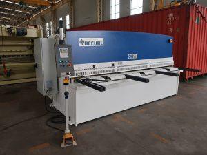 màquina talladora de cnc d'alumini