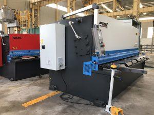 màquina talladora CNC