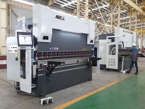 300tx 4000 fre de pressió hidràulica de 3 olis cilindres amb controlador CNC
